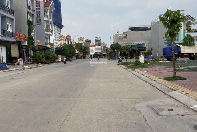 Bán mặt tiền đường D3 và D2A Mall City, Vincom Plaza Dĩ An, kinh doanh buôn bán sung