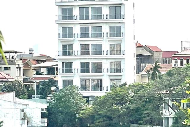 Bạn có muốn sở hữu cả tòa căn hộ 8 tầng có thang máy, hầm xe hơi, 3 mặt thoáng Hồ Tây không?