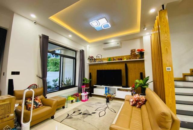 Nhà phố 6x23m full nội thất cao cấp vị trí view trực diện công viên giá bán 19.5 tỷ. LH 0902872670