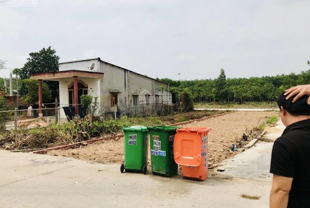 Tôi chính chủ cần bán lô đất 6x30m, 3 mặt tiền ở Tân Long, Phú Giáo. LH: 0379 423 953