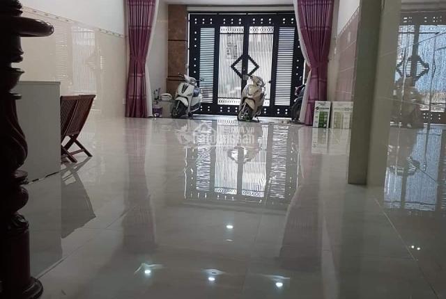 Chính chủ cần cho thuê nhà mặt phố đường DN4, P. Tân Hưng Thuận, Quận 12, thích hợp kinh doanh