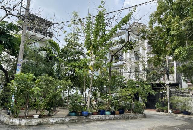 Nhà đẹp sát công viên, gần chợ Bình Triệu cách Phạm Văn Đồng 300m, 1T2L SHR