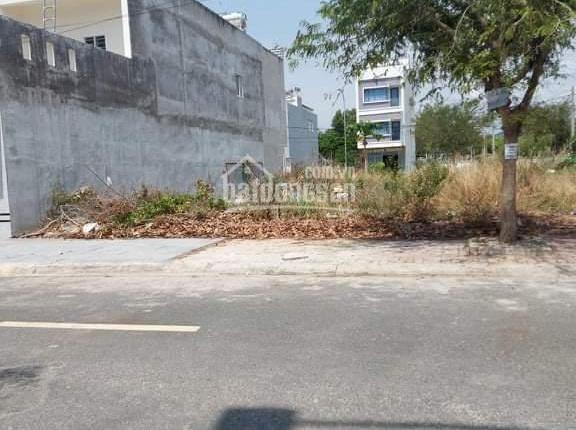 Cần tiền bán gấp lô đất đường Đặng Thai Mai 5x18m, full thổ cư khu Triều Phát, TP. Bà Rịa