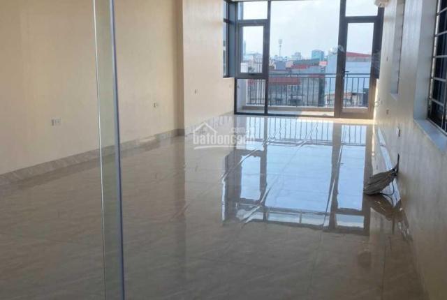 Cho thuê nhà mặt đường Minh Khai, DT 80m2 x 5 tầng, MT 4m, giá 70tr/th