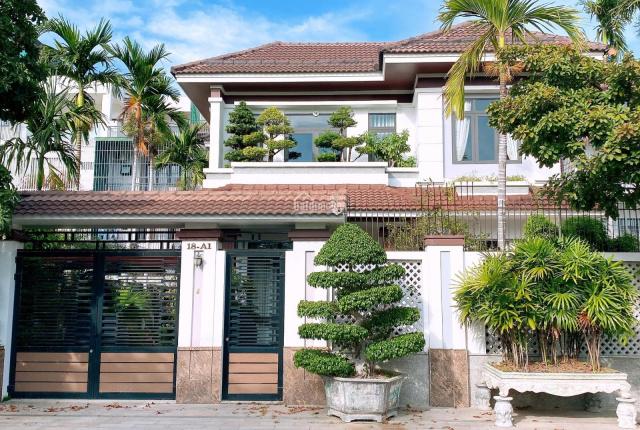 Bán căn biệt thự VCN Phước Hải full nội thất cao cấp, an ninh, yên tĩnh, đẳng cấp tại tp Nha Trang
