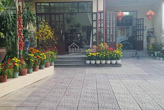 Bán nhà đất sân vườn 1200m2, khu vực chợ đêm Biên Hùng