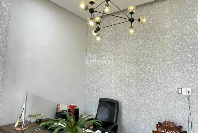 Bán nhà 1 trệt 1 lầu Phú Mỹ, DX 042, full nội thất, 100m2, đường thông gần đường Phạm Ngọc thạch