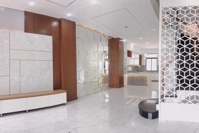 Cần cho thuê nhà phố khu Lakeview City hoàn thiện cơ bản đẹp, giá 25tr/th. LH 0911867700