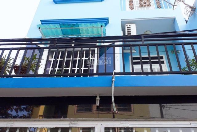 Giá covit - nhà 2 lầu gồm 4 phòng ngủ, 2 mặt hẻm oto đối diện UBND Tân Thới Hiệp, diện tích 56m2