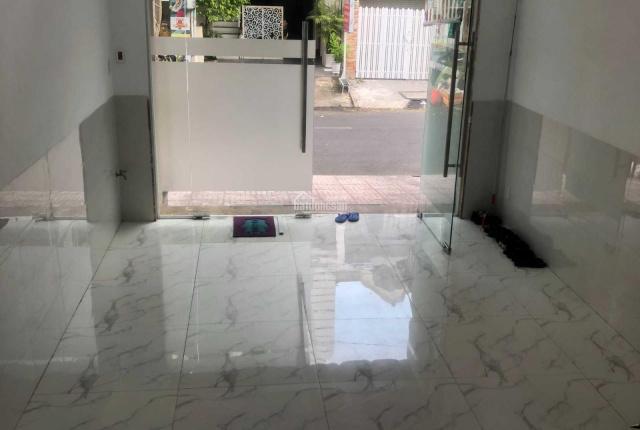 Bán khách sạn 5 lầu có thang máy, mặt tiền đường Số 37, Tân Quy, Q7. DT: 4 x 20m CN: 80m2 giá 16tỷ2