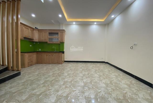 Chính chủ bán nhà sổ đỏ 34m2 - 5 tầng mới tại phố Khương Trung - Ngã Tư Sở - Thanh Xuân - 3.5 tỷ