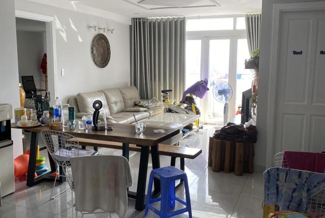 Chính chủ cho thuê căn hộ lầu 17 dự án Screc Tower, DT 92m2, 2 PN lớn, 2 toilet LH: 0906689198
