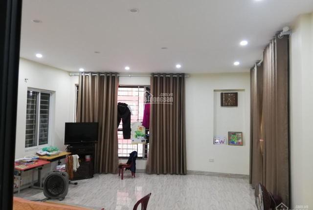 Cho thuê nhà mới xây khép kín phố Minh Khai