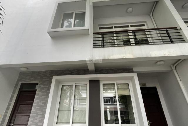 Nhà cho thuê nguyên căn hẻm 702/1C Sư Vạn Hạnh đối diện Vạn Hạnh Mall. LH: 0.0938668161 A Thảo