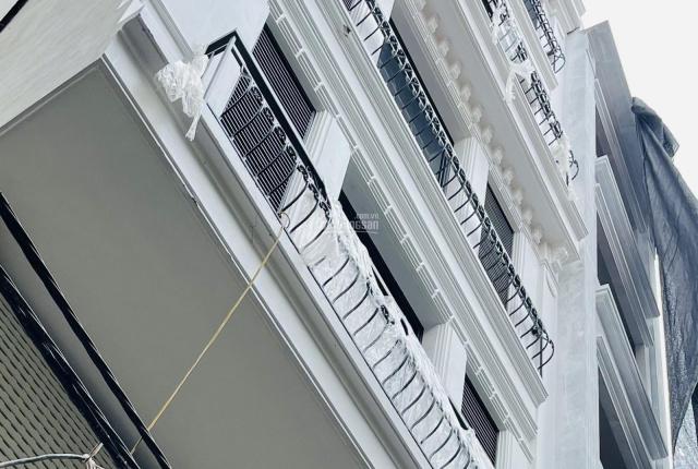Toà nhà văn phòng và căn hộ dịch vụ ngay giữa Hồ Tây - 155m2 x 9 tầng. LH 0968598288