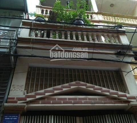 CC cho thuê nhà 3 tầng phố Hoa Bằng, DT 57m2, 3 ngủ, 3 WC, giá 12 triệu/ tháng. LH 091 303 8271