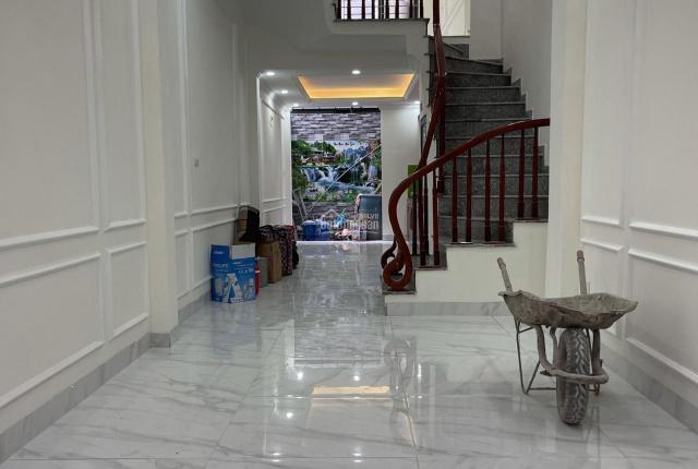 Bán nhà Ngọc Hồi - Thanh Trì - Gần BX Nước Ngầm - 45m2*5T, xây độc lập -30m ra MP - Chỉ hơn 2 tỷ