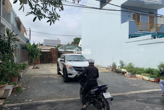 Chính chủ cần tiền nên bán gấp 2 lô đất nằm ở mặt tiền đường Số 8, thuộc Tăng Nhơn Phú B, Q9