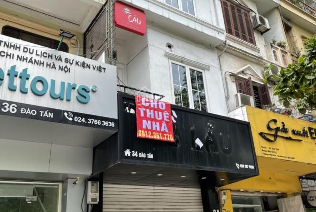 Chính chủ cho thuê nhà 4 tầng mặt phố 34 Đào Tấn, Ba Đình, sàn 52m2, vỉa hè rộng, tiện kinh doanh