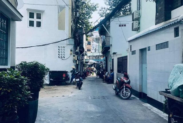 Nhà cũ tiện xây mới - HXH lý thuyết thông với Bùi Thị Xuân - Phường Phạm Ngũ Lão - Quận 1