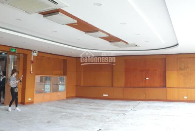 Cho thuê cả nhà làm phòng khám, spa, trung tâm đào tạo phố Lý Nam Đế, Hà Nội. DT: 300m2 * 8T + hầm