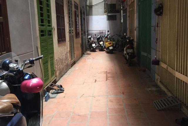 Gia đình chuyển vào Sài Gòn sinh sống, cần bán gấp nhà ngõ 123A Thụy Khuê