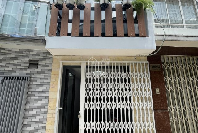 Chính chủ cần bán nhà đườnG Trần Văn Đang, Q. 3 gấp