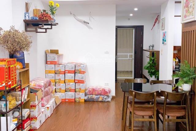 Chính chủ bán gấp căn hộ 71,2m2 full nội thất xịn tại 90 Nguyễn Tuân