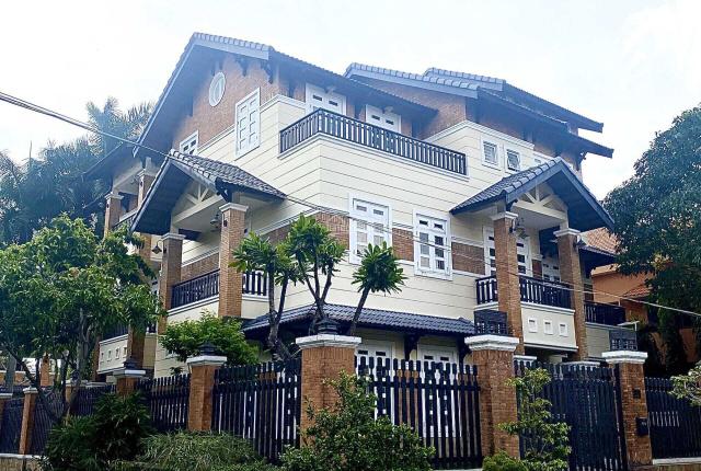 Bán biệt thự bên sông SG, 3 lầu ST DT 8 x 20m khu Compound cách Trần Não 500m. P Bình An Q2