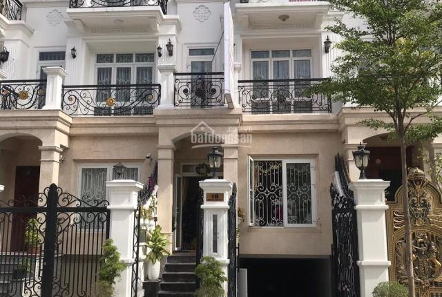 Bán gấp nhà phố đẹp ngay Emart Cityland Garden Hills, Gò Vấp