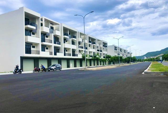 Suất ngoại giao nền shophouse VCN Phước Long 2 mặt tiền đường 43m, giá CĐT gọi ngay 0905.272.789