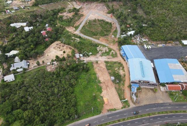 Cần bán lô đất mặt đường 30/4 kéo dài, giá chỉ 11tr/m2 DT 500m2, thế đất cao thích hợp xây BT