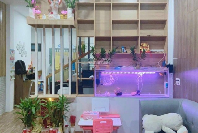 Nhà trệt lầu phường Linh Đông, DT 56m2 hướng Tây hẻm xe hơi giá 4,3tỷ