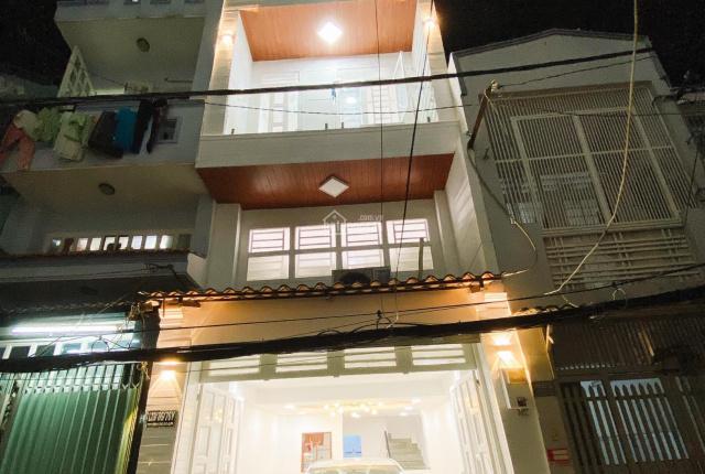 4 Lầu, xe hơi trong nhà Thích Quảng Đức, Quận Phú Nhuận giá chỉ 5,7tỷ(huê hồng cao gửi ae môi giới)