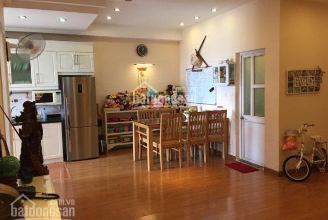 Bán căn hộ chung cư 25 Vũ Ngọc Phan 80m2, giá 2,5 tỷ