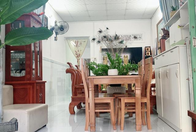 Chính chủ cần bán căn nhà cấp 4 tại Nhà Bè DT 3,2*21,5m2 giá bán 1.450 tỷ, LH 0909904543 Ms Lành