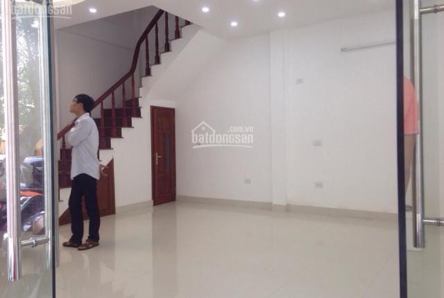 Cho thuê nhà mặt phố Lê Ngọc Hân, mặt tiền 7.5m, diện tích 50m2 x 5 tầng, nhà mới, đủ nội thất