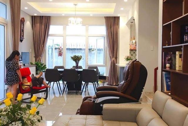 Bán villa compound Liên Phường 180m2 - giá tốt