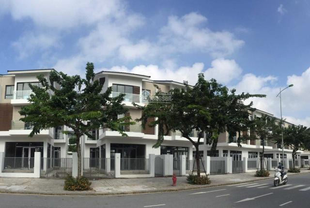 Bán duy nhất 1 căn biệt thự An Vượng Villa, DT 180m2, giá 15,5 tỷ. Liên hệ: 0987160336