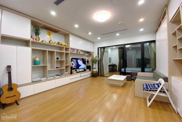 Chính chủ bán căn hộ cao cấp Royal City 55m2 thiết kế vip 2 PN công năng tiện ích hoàn hảo 2,95 tỷ