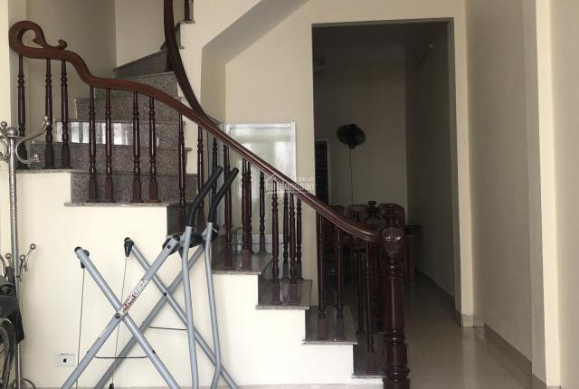 Chính chủ cho thuê nhà riêng 2 tầng 40m2 mới sơn đẹp, an ninh, giá rẻ mùa dịch phù hợp với gia đình