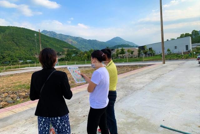 Bán lỗ đất 2 mặt tiền đường Phong Châu, Nha Trang 85m2