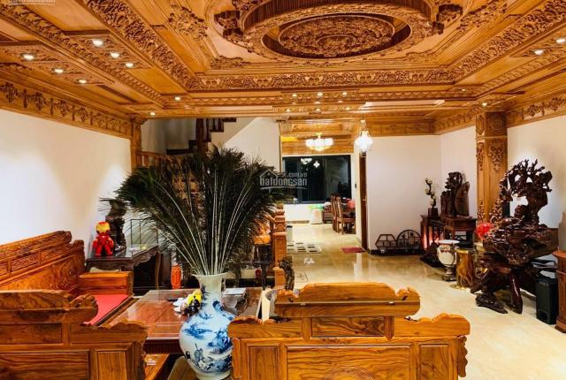 Bán nhà riêng ô tô, 2 thoáng, full nội thất, kinh doanh phố Nguyễn Văn Huyên, 68m2 5 tầng giá 12 tỷ