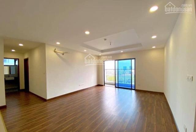 Cần bán căn góc 3 mặt thoáng 135m2, 3 ngủ. Tầng trung, Đông Nam, đã có sổ, giá 34 triệu/m2