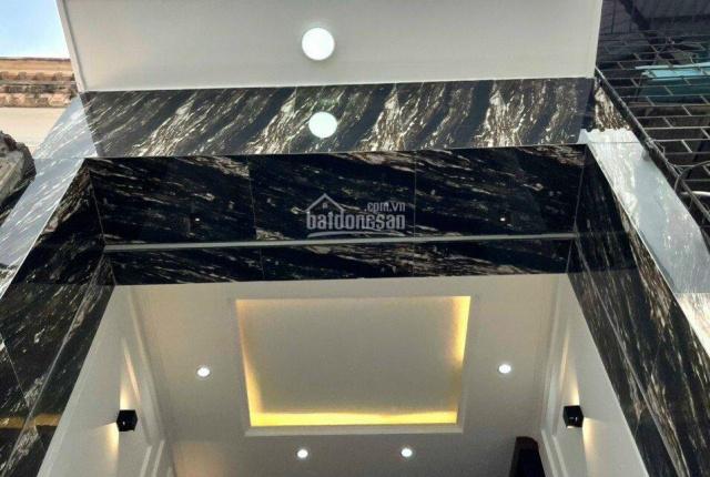 Chính chủ bán nhà xây mới siêu đẹp 168 Hoàng Văn Thái, 34m2, 6 tầng, giá 4.5 tỷ, ô tô cách nhà 20m