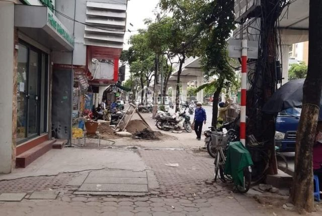 Bán nhà mặt phố Hồ Tùng Mậu - Kinh doanh sầm uất bậc nhất Hà Nội