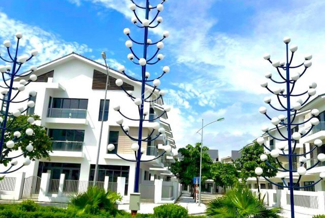 Suất ngoại giao biệt thự hồ phân khu cuối kđt Dương Nội giá 60tr/m2, ck8% htls 18t lh: 089.982.2626