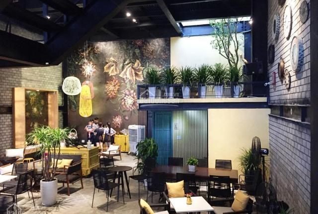 Bán nhà lô góc Việt Hưng, tiệm coffee lâu năm, MT 7.5m, giá giảm mạnh: 10,2 tỷ