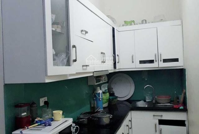 Hà Nội: Cho thuê nhà riêng 3 tầng, 1 tum, diện tích mặt sàn 61m2