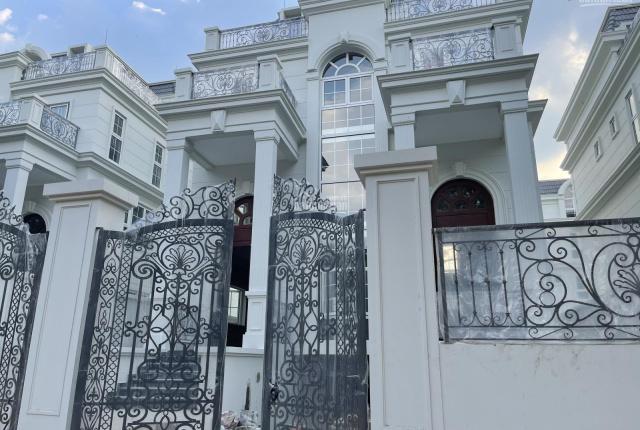 Chính chủ cần bán gấp biệt thự King Crown Thảo Điền, Quận 2. LH: 0908067118